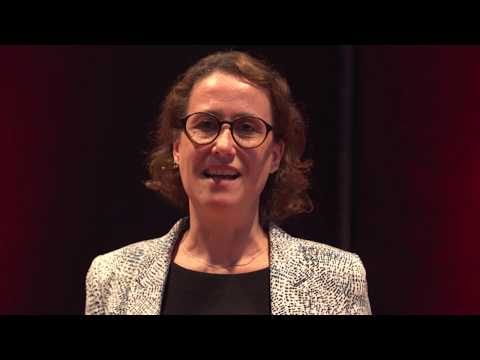 How to use smell to create unforgettable experiences | Christiane Bausback | TEDxTUMSalon